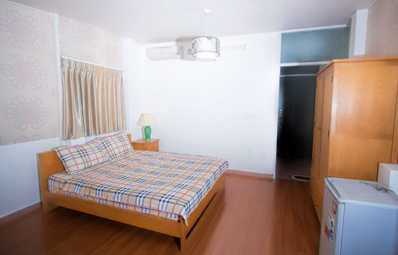 0119-074 1-bedroom serviced apartment with balcony and kitchen in district 1 near Ben Thanh Market