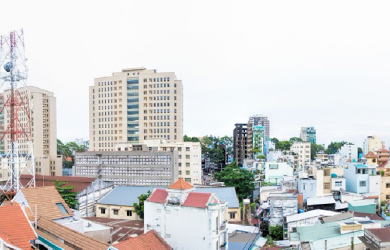 0122-0704 Short term rental apartment in the heart of Ho Chi Minh City with balcony view District 1