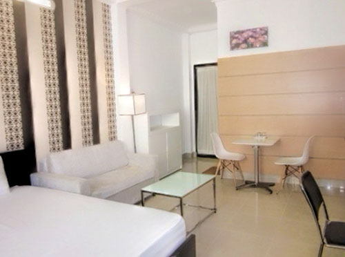 1157-0904 Smiley Studio Apartment 1 for rent in District 1 near Ben Thanh Market