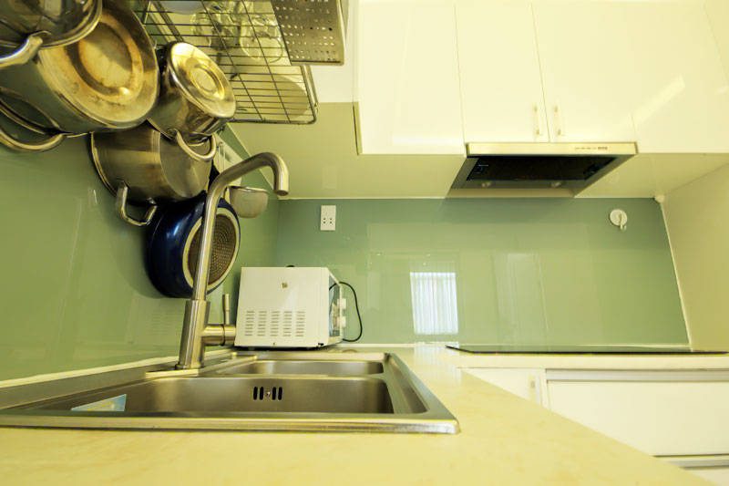 2041-1804 Equipped kitchen is available in short-term apartment in District 1